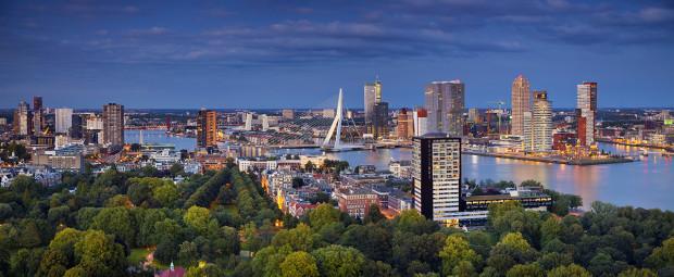 Combinatie Roos & van de Werk / Friends For Brands gekozen als één van de beste communicatiebureaus van Rotterdam.